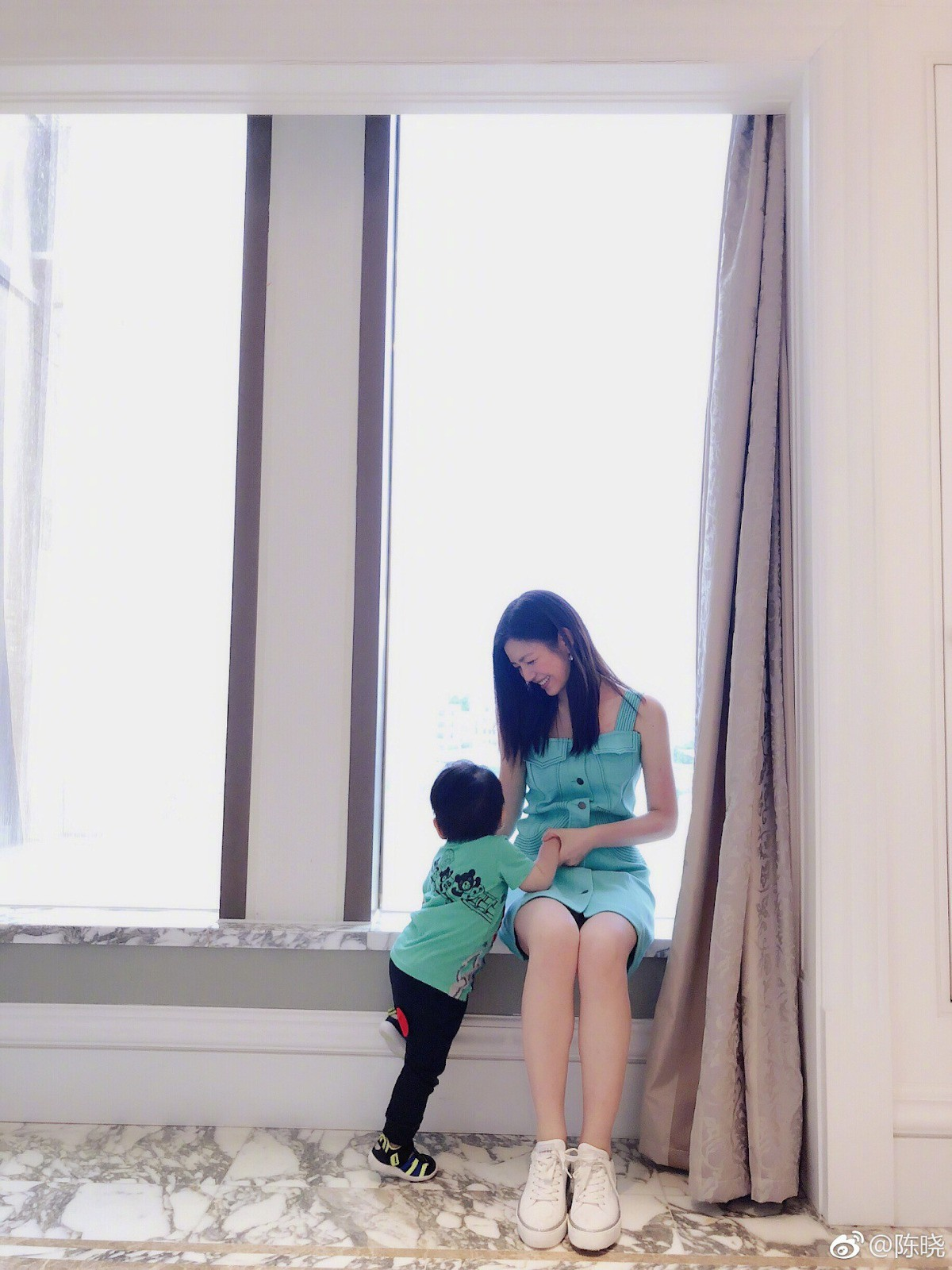 Ai sướng như mỹ nhân châu Á này: Xuất thân danh gia vọng tộc, tài sắc vẹn toàn lại toàn lấy được chồng như ý - Hình 11