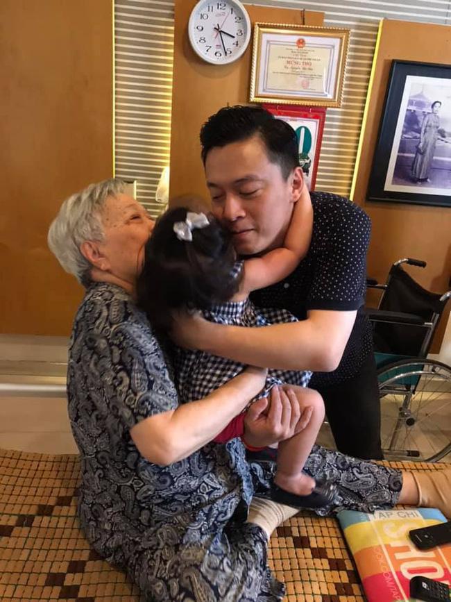Khác hẳn tâm trạng cô đơn bên xứ người, vừa về Việt Nam vợ Lam Trường đã hào hứng thế này - Hình 2