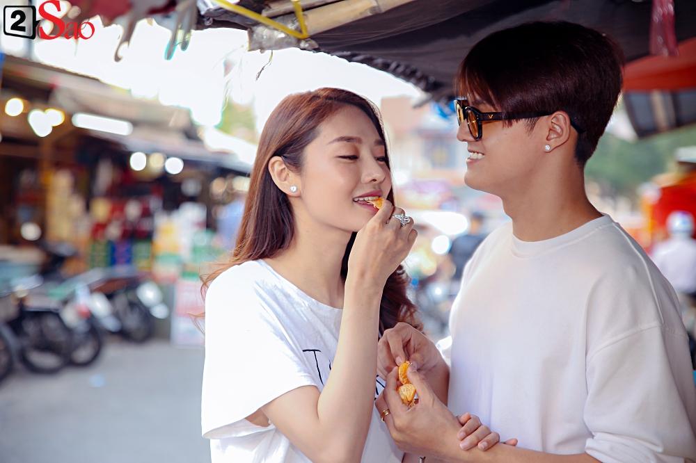 Ngắm Linh Chi - Lâm Vinh Hải tình tứ đi chợ Tết, ai cũng mong cặp đôi sớm báo hỷ trong năm mới Kỷ Hợi - Hình 11
