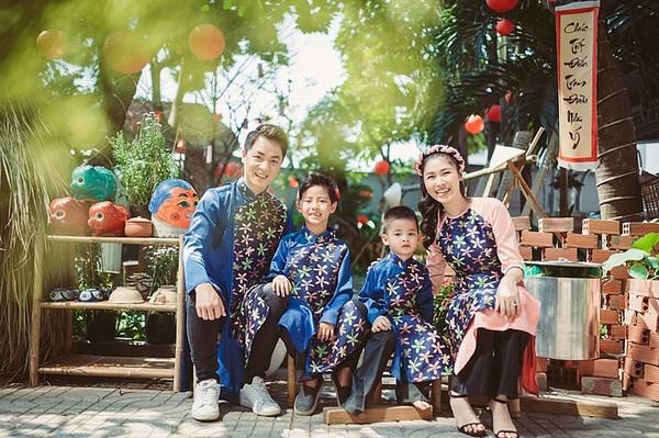 Khoảnh khắc đón Tết cùng nhau của các cặp đôi Sao Việt: Mỗi cây mỗi hoa, mỗi nhà mỗi cảnh - Hình 5
