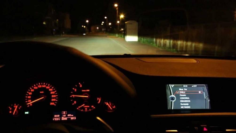 Sử dụng đèn ô tô thế nào cho đúng cách, an toàn? - Hình 1
