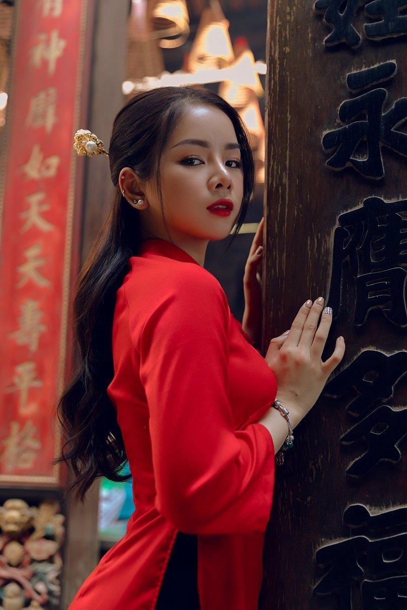 Cô nàng DJ xinh đẹp thêm một năm chạy show xuyên Tết - Hình 5