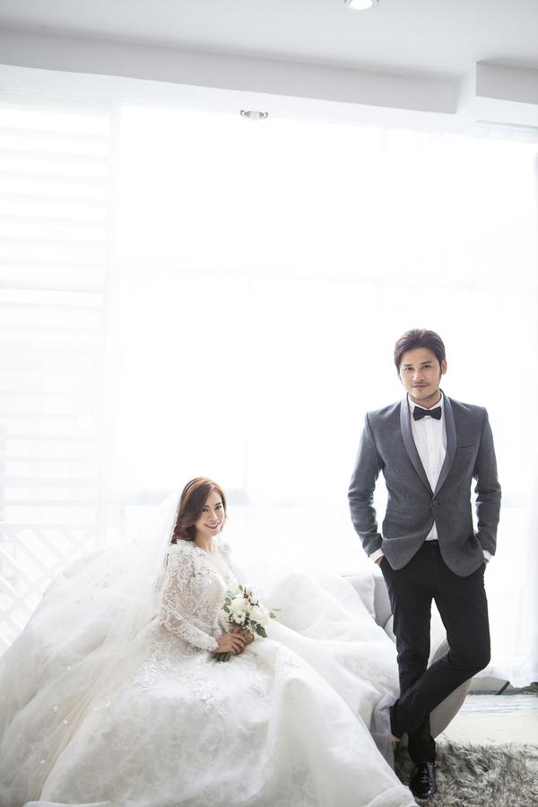 Hé lộ thiệp cưới tông hồng ngọt ngào của nữ diễn viên Gạo nếp gạo tẻ và chồng soái ca - Hình 7