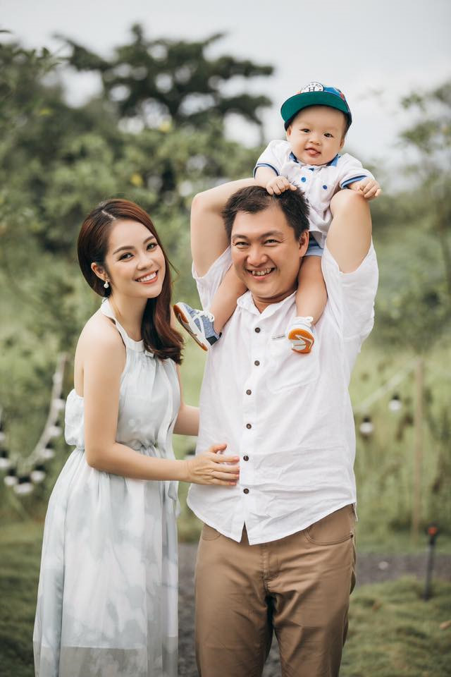 Ly hôn trong nước mắt, Dương Cẩm Lynh vẫn cùng chồng cũ đưa con trai du hí Singapore - Hình 5