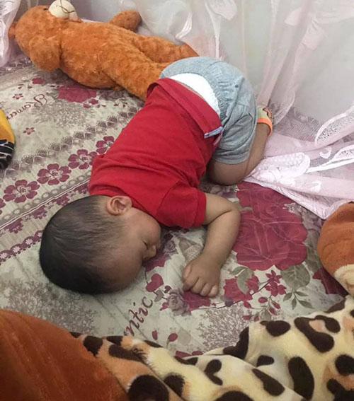 Những dáng ngủ có 1-0-2 của nhóc tì - Hình 4