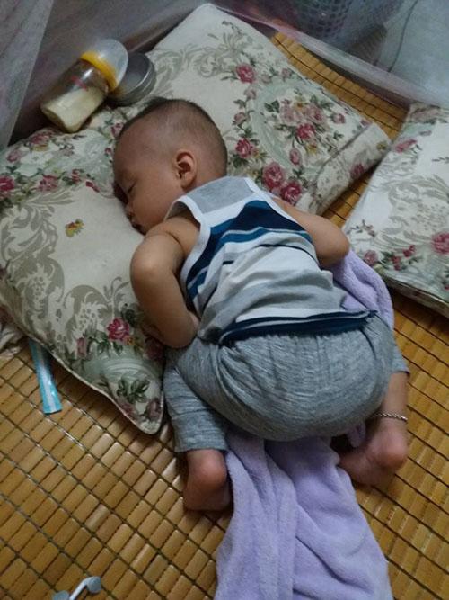 Những dáng ngủ có 1-0-2 của nhóc tì - Hình 6