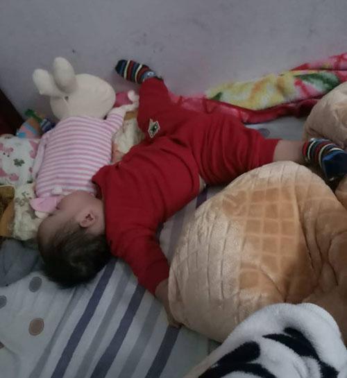 Những dáng ngủ có 1-0-2 của nhóc tì - Hình 3