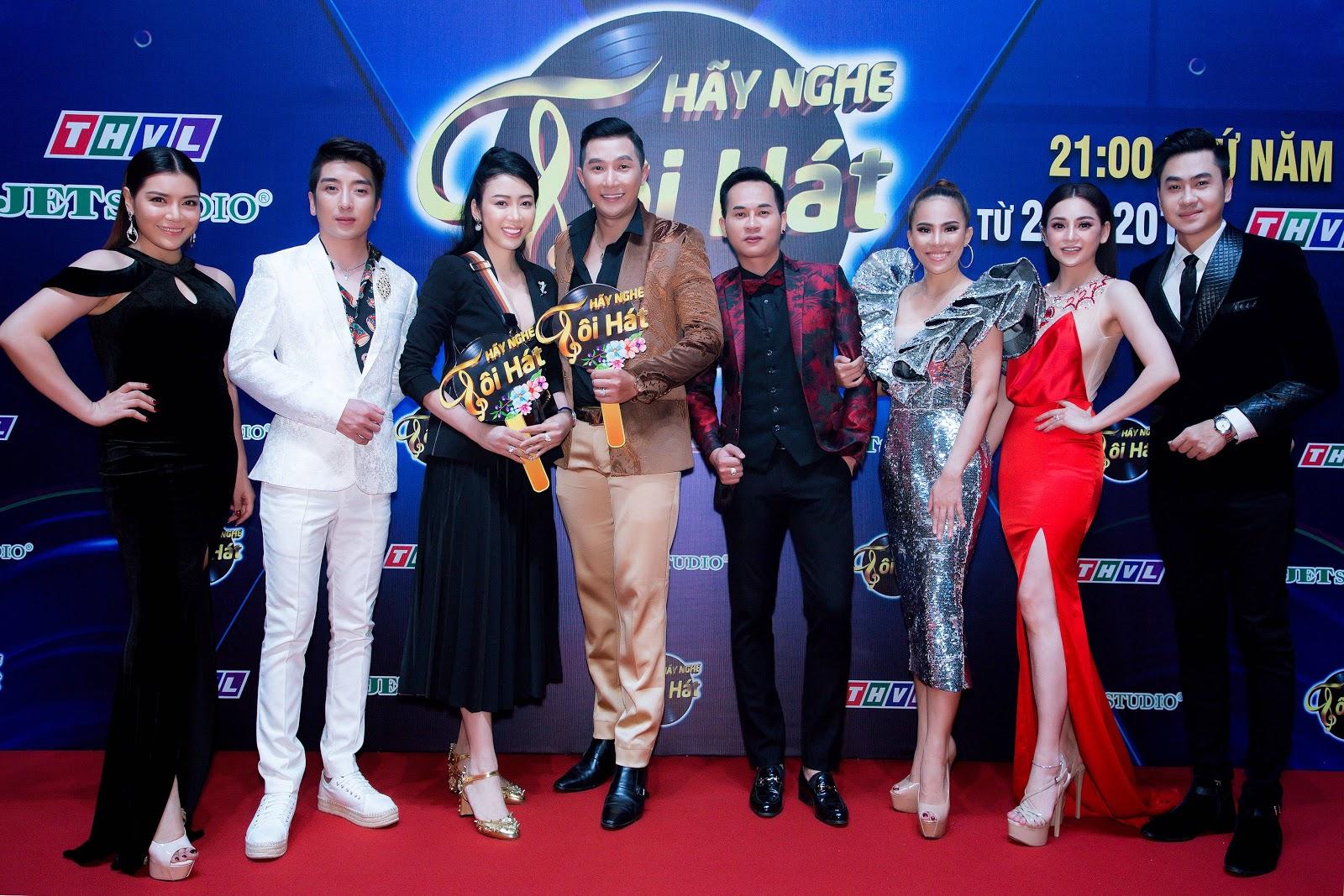 Hoa hậu - NTK Nhật Phượng đọ dáng quyến rũ cùng Phương Trinh Jolie - Hình 4