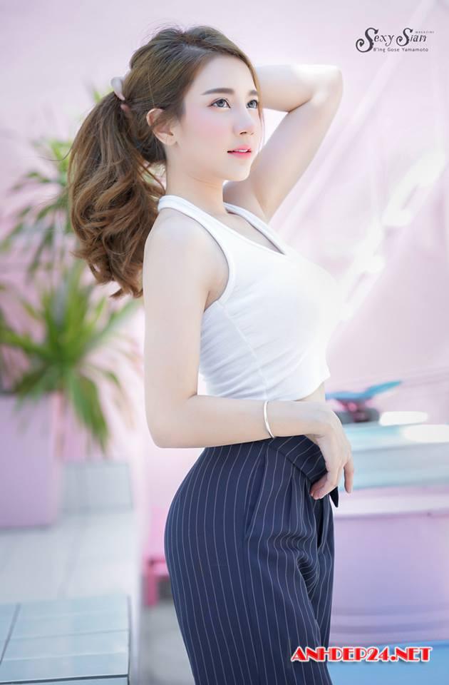 Ngắm nhan sắc xinh đẹp của hot girl làm mát lạnh cả ngày nắng nóng - Hình 2