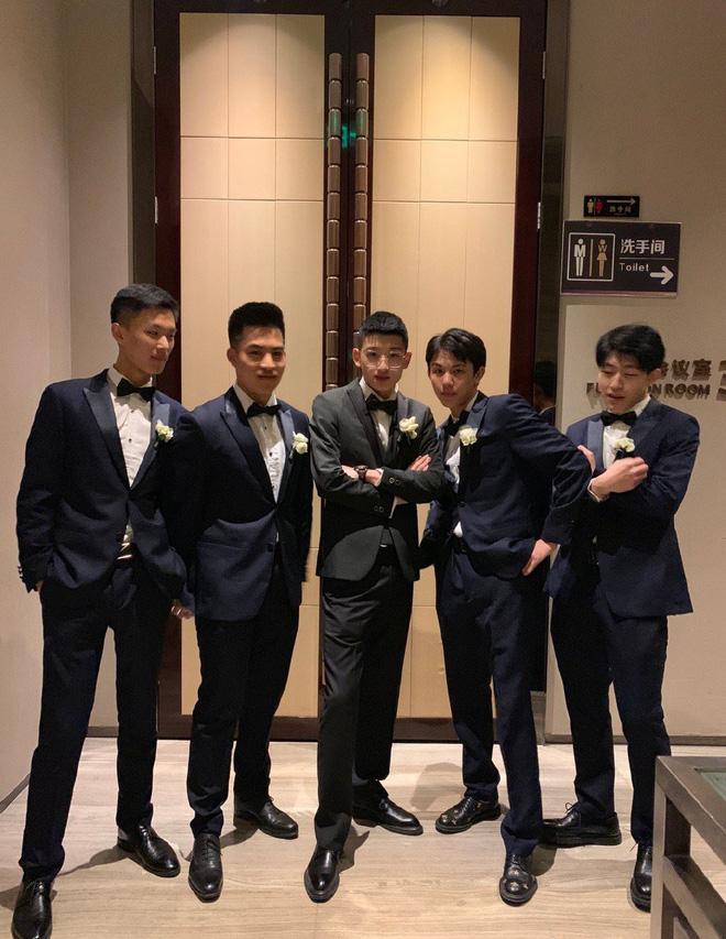 Dàn phù rể toàn cực phẩm nhưng bao lầy trong đám cưới của cặp đôi đũa lệch nổi tiếng nhất Trung Quốc - Hình 2
