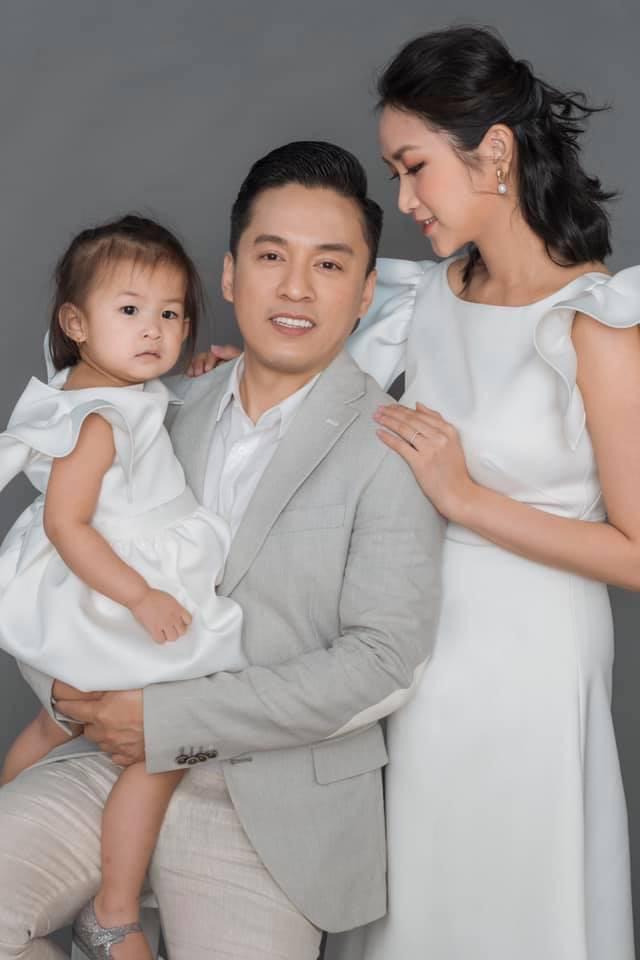 Quên chuyện Lam Trường và vợ 9x rạn nứt đi bởi đây là lý do nam ca sĩ nhất mực chung tình sau 5 năm kết hôn - Hình 1