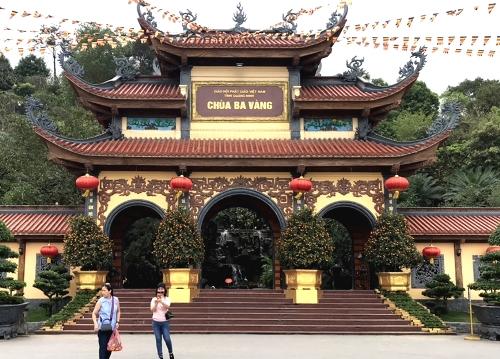 TRỰC TIẾP: Họp báo vụ thỉnh vong báo oán tại chùa Ba Vàng - Hình 11