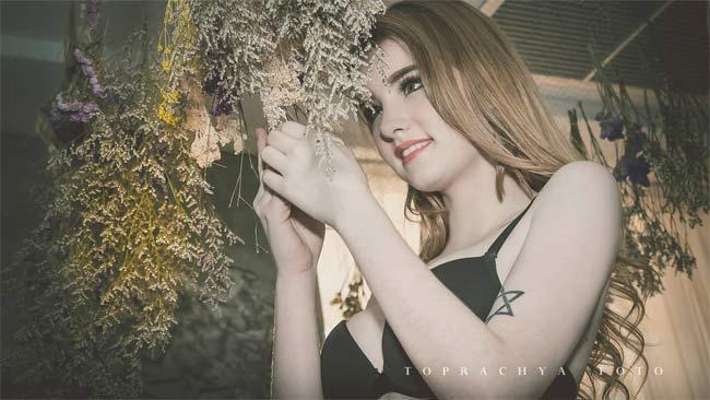 Những hình ảnh xinh ngất ngây cực kì gợi cảm của hot girl Jessie Vard - Hình 6