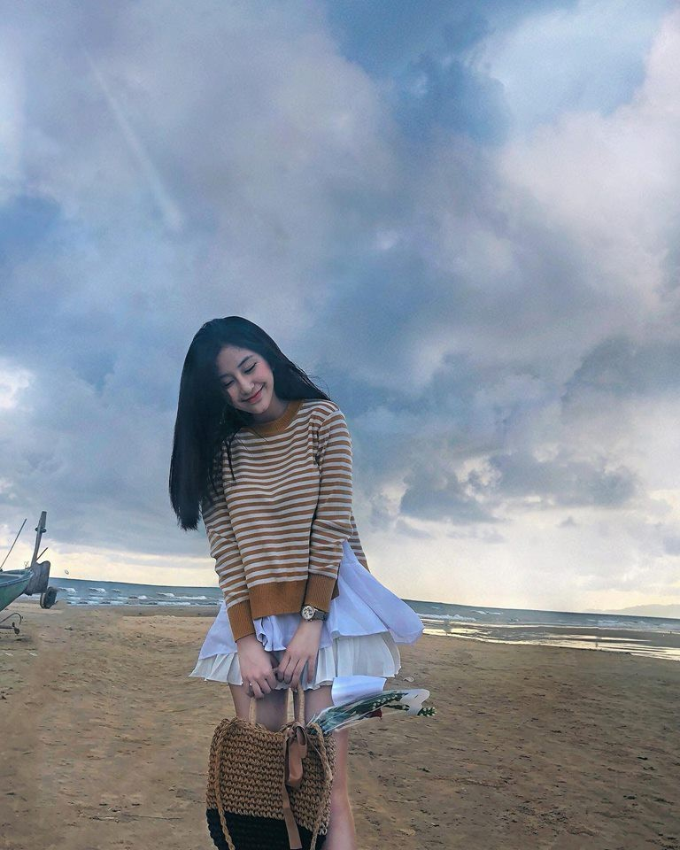 Vẻ đẹp nữ sinh TP.HCM được báo Hàn ca ngợi 'Nữ thần không góc chết' - Hình 7