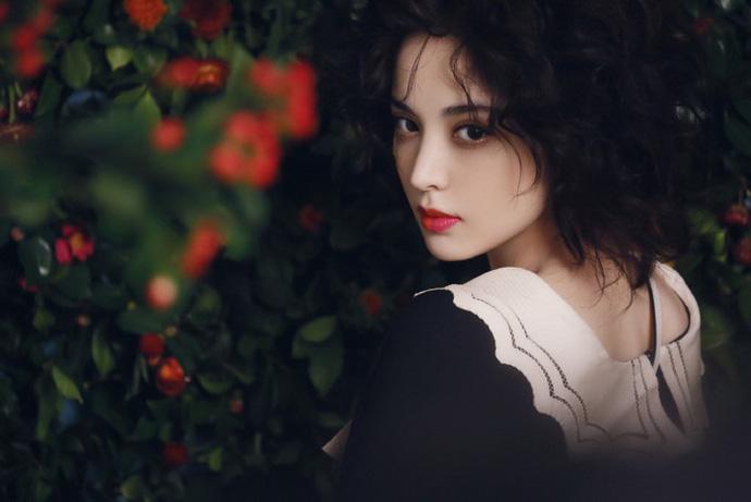 Không phải Địch Lệ Nhiệt Ba, Cổ Lực Na Trát chứng minh mình mới là mỹ nữ Tân Cương đẹp và gợi cảm nhất - Hình 14