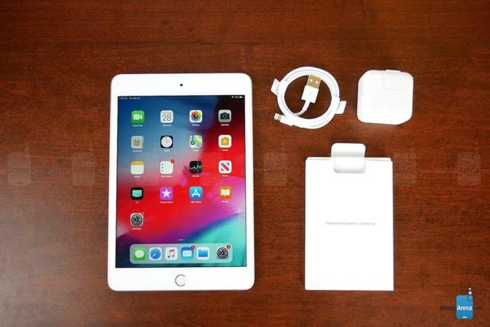 Đập hộp iPad Mini 5 sau 4 năm ngủ quên - Hình 1