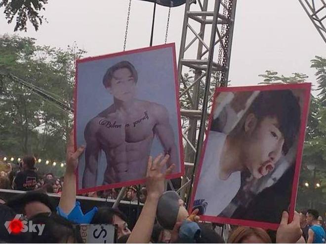 Fan chế ảnh Sơn Tùng M-TP cơ bắp cuồn cuộn, lầy lội mang tới tận sân khấu tiếp sức cho idol đang nỗ lực tập gym - Hình 1