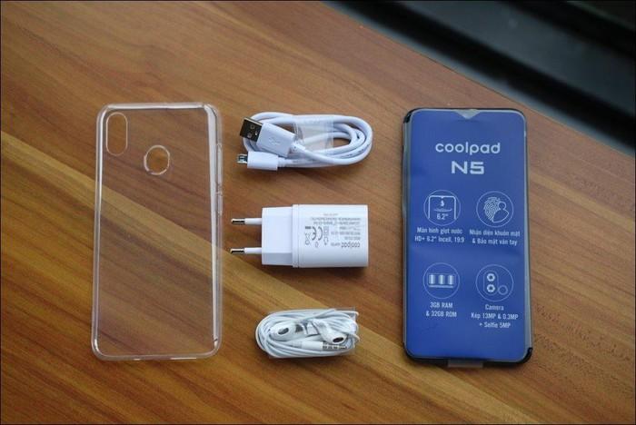 Hình ảnh và video mở hộp Coolpad N5, màn hình giọt nước, camera kép, giá 2,99 triệu đồng - Hình 2