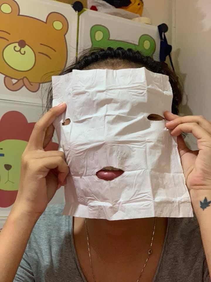 Tưởng vớ món hời khi mua gel lột mụn được tặng mặt nạ, cô nàng khiến dân mạng cười bò khi đem ra sử dụng - Hình 3