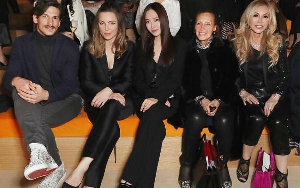 Jessica Jung nổi bần bật hút cánh truyền thông trên hàng ghế VIP tại show Hermes - Hình 1