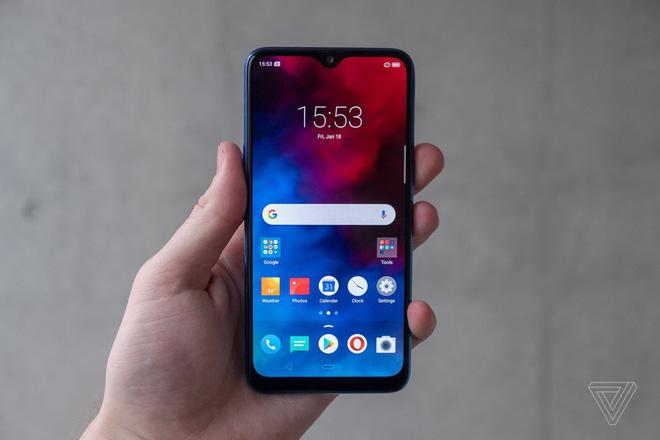 OPPO ra mắt smartphone giá rẻ Realme 3: Màn hình 6,22 inch, chip MediaTek Helio P70, RAM 3GB, pin 4.230 mAh - Hình 2