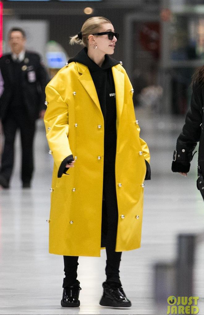 Hà Hồ phô trương ngực trần, Quỳnh Anh Shyn phải mượn áo để 'chinh chiến' street style với dàn sao quốc tế tại Paris - Hình 16