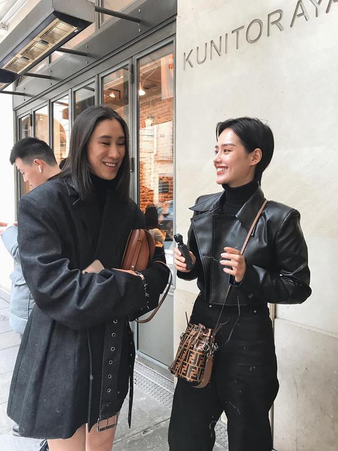 Hà Hồ phô trương ngực trần, Quỳnh Anh Shyn phải mượn áo để 'chinh chiến' street style với dàn sao quốc tế tại Paris - Hình 9