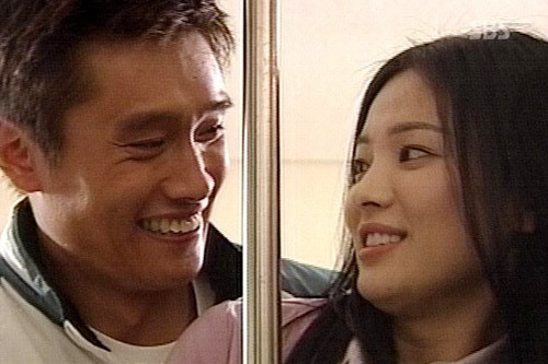 Ngoài ông xã Song Joong Ki, đây là những người tình màn ảnh điển trai của Song Hye Kyo! - Hình 10