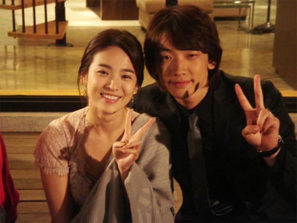 Ngoài ông xã Song Joong Ki, đây là những người tình màn ảnh điển trai của Song Hye Kyo! - Hình 17