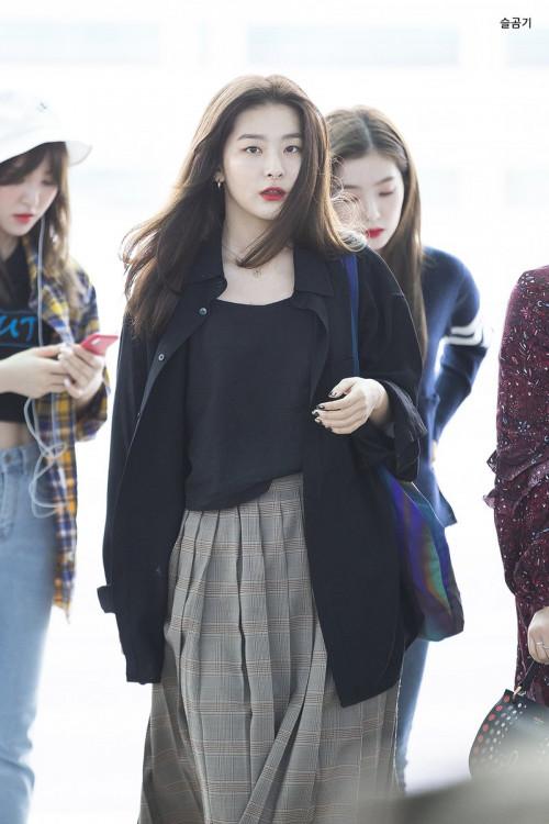 Tuyệt chiêu mặc đẹp để trông gầy hơn của sao Hàn - Hình 7