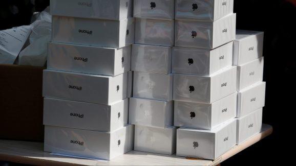 Apple tiếp tục giảm giá iPhone lần thứ 2 tại Trung Quốc, iPhone XS Max giảm tới 300 USD - Hình 1