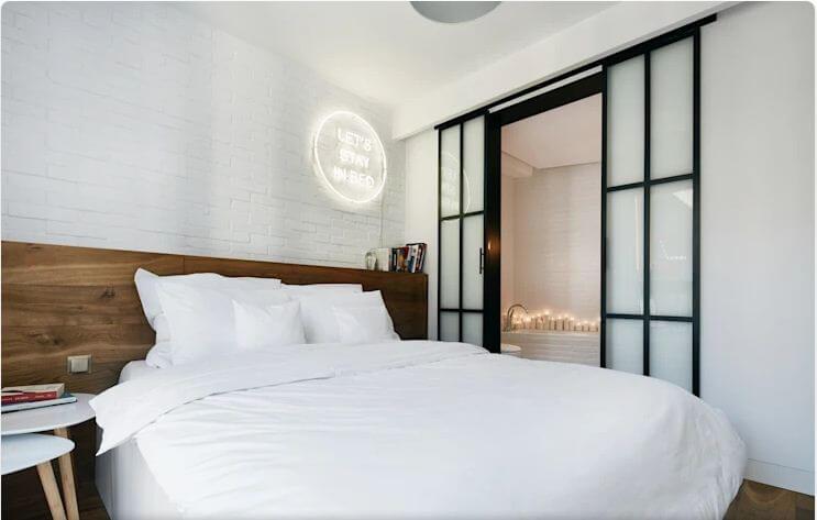 8 thiết kế phòng ngủ đẹp không tốn quá nhiều chi phí - Hình 5