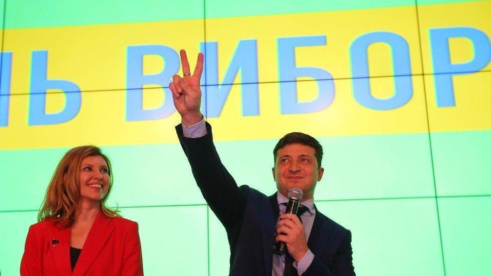 Bầu cử Tổng thống Ukraine: Danh hài Vladimir Zelensky tạm dẫn đầu - Hình 1