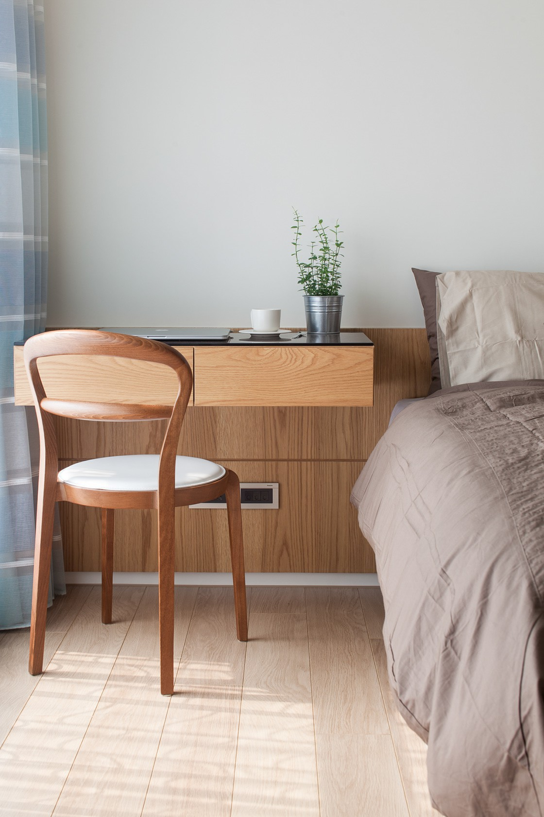 Căn hộ chung cư thiết kế thoáng đẹp như nhà vườn mang đậm chất Nhật Bản - Hình 27
