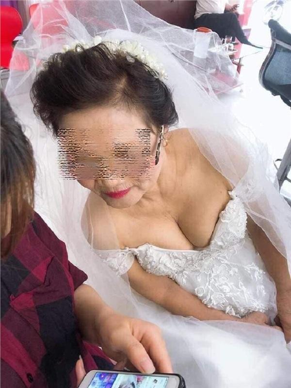 Cô dâu 75 tuổi - hay cú lừa hot nhất ngày Cá tháng tư năm nay? - Hình 2