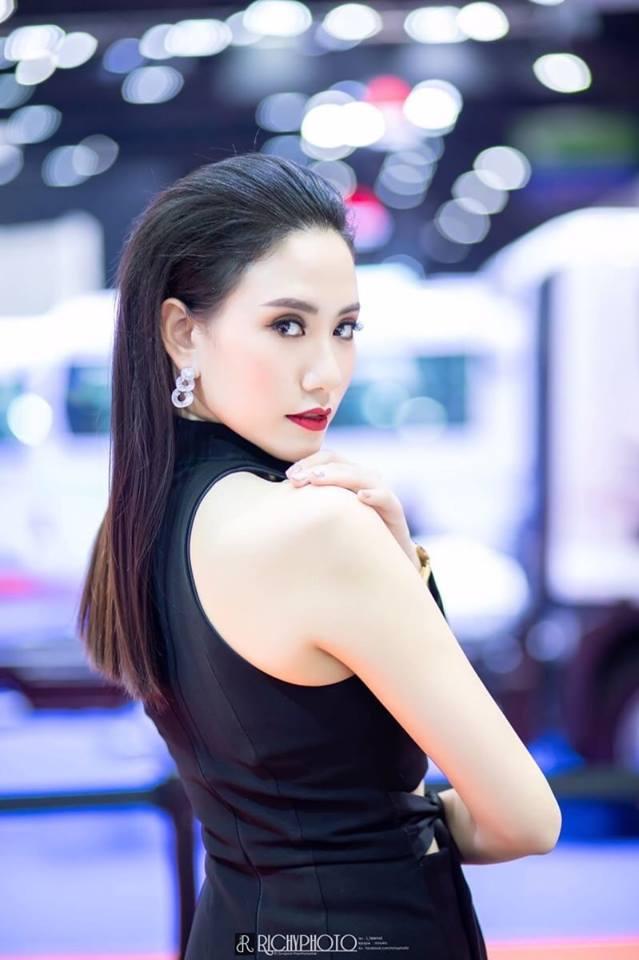 Dàn người đẹp gợi cảm trong gian hàng của McLaren tại triển lãm Bangkok 2019 - Hình 3