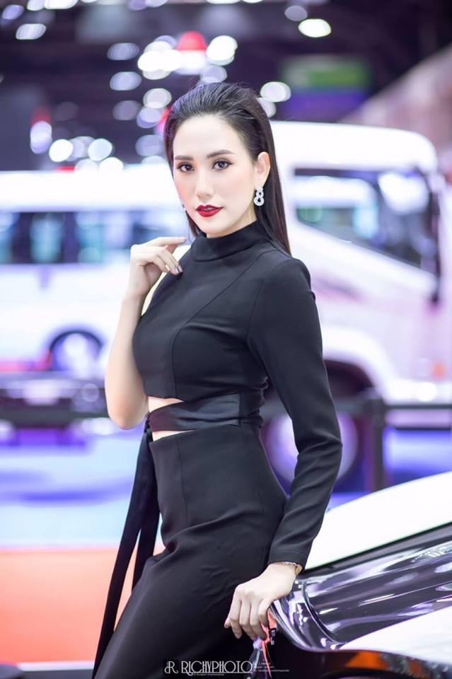 Dàn người đẹp gợi cảm trong gian hàng của McLaren tại triển lãm Bangkok 2019 - Hình 12