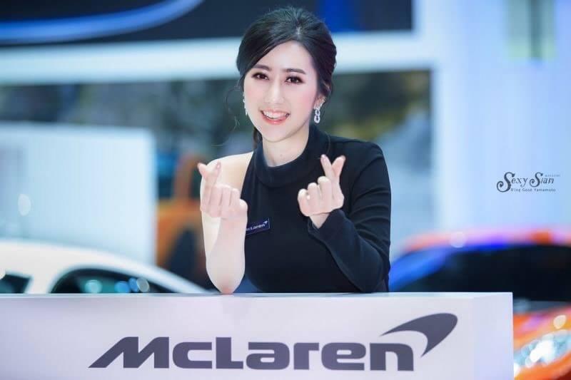 Dàn người đẹp gợi cảm trong gian hàng của McLaren tại triển lãm Bangkok 2019 - Hình 1