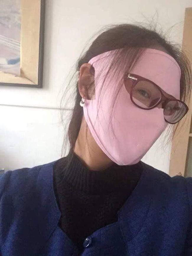 Hết mốt áo chống nắng như bao tải, hè năm nay chị em lại đổ xô đi mua khẩu trang ninja kín mít, hở mỗi 2 con mắt - Hình 11