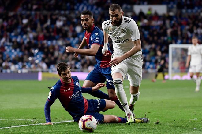 HLV Zidane động viên con trai sau trận ra mắt cùng Real - Hình 2