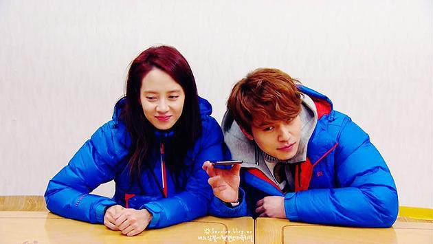 Song Ji Hyo hẹn hò với Lee Dong Wook: Thuyền SpartAce chính thức chìm hay cú lừa ngày Cá tháng 4? - Hình 3