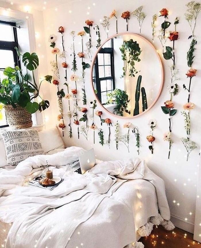 Trang trí giường cưới đẹp ngọt ngào và lãng mạn với hoa tươi - Hình 12