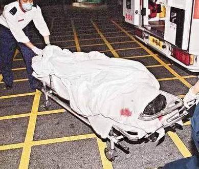 Vì người phụ nữ này, 16 năm trước không một tờ báo nào chụp được bức ảnh dung nhan của Trương Quốc Vinh khi tự vẫn - Hình 9