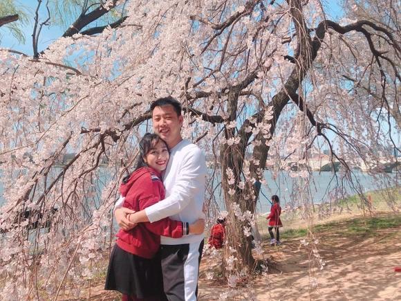 Vợ chồng Ốc Thanh Vân diễn cảnh mật ngọt tình bể bình như chụp hình cưới - Hình 5