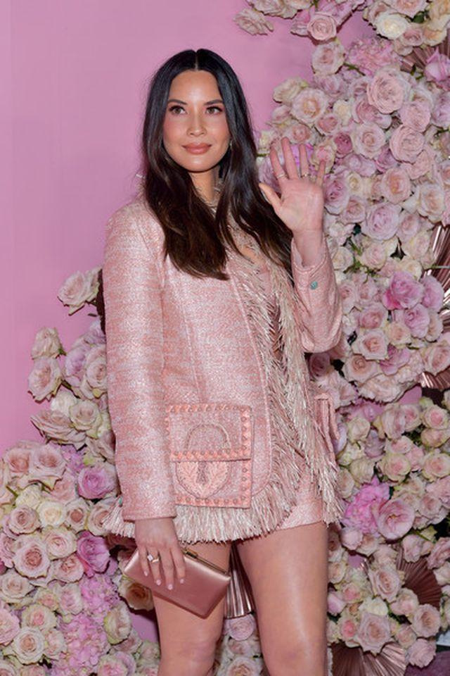Olivia Munn trẻ đẹp như công chúa - Hình 9