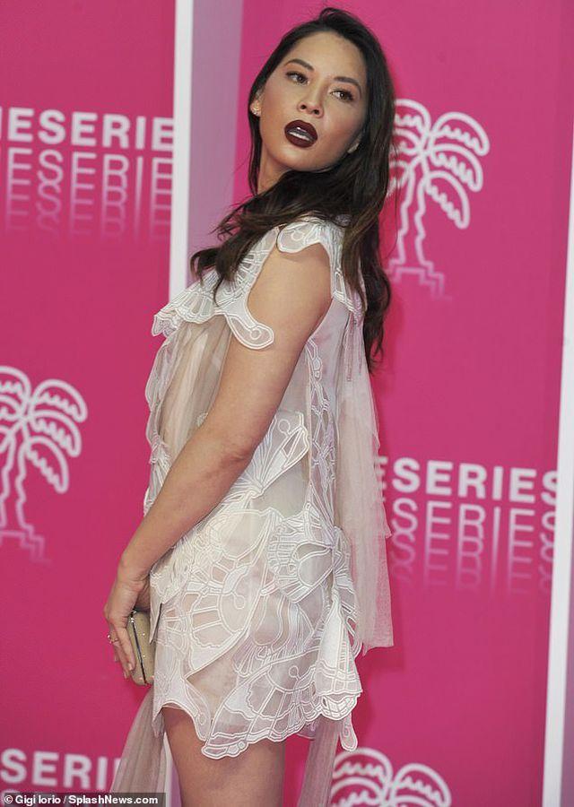 Olivia Munn trẻ đẹp như công chúa - Hình 2