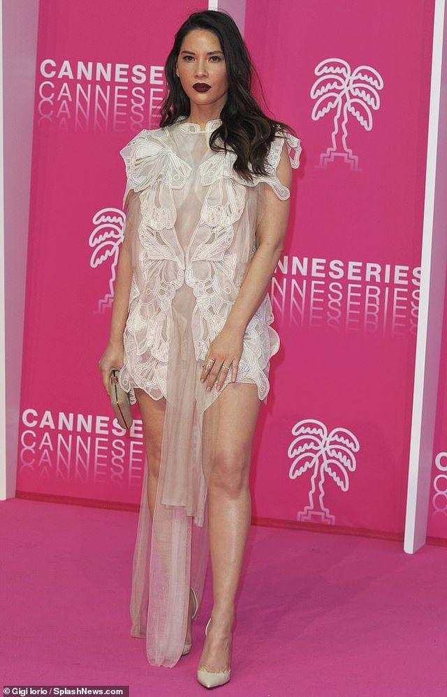 Olivia Munn trẻ đẹp như công chúa - Hình 3