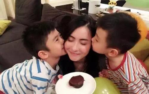 Bạn thân tiết lộ cuộc sống khó khăn nhưng vô cùng kiên cường của Trương Bá Chi sau khi ly hôn với Tạ Đình Phong - Hình 6