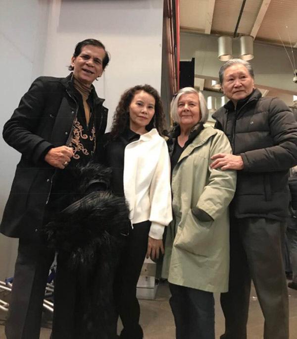 Bố mẹ Kim Lý sang Việt Nam thăm bố mẹ Hồ Ngọc Hà - Hình 4