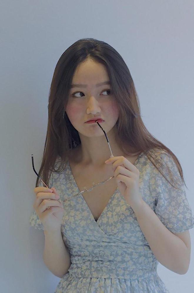 Điểm mặt hot girl xuất thân từ các trường Ngân hàng - Hình 12
